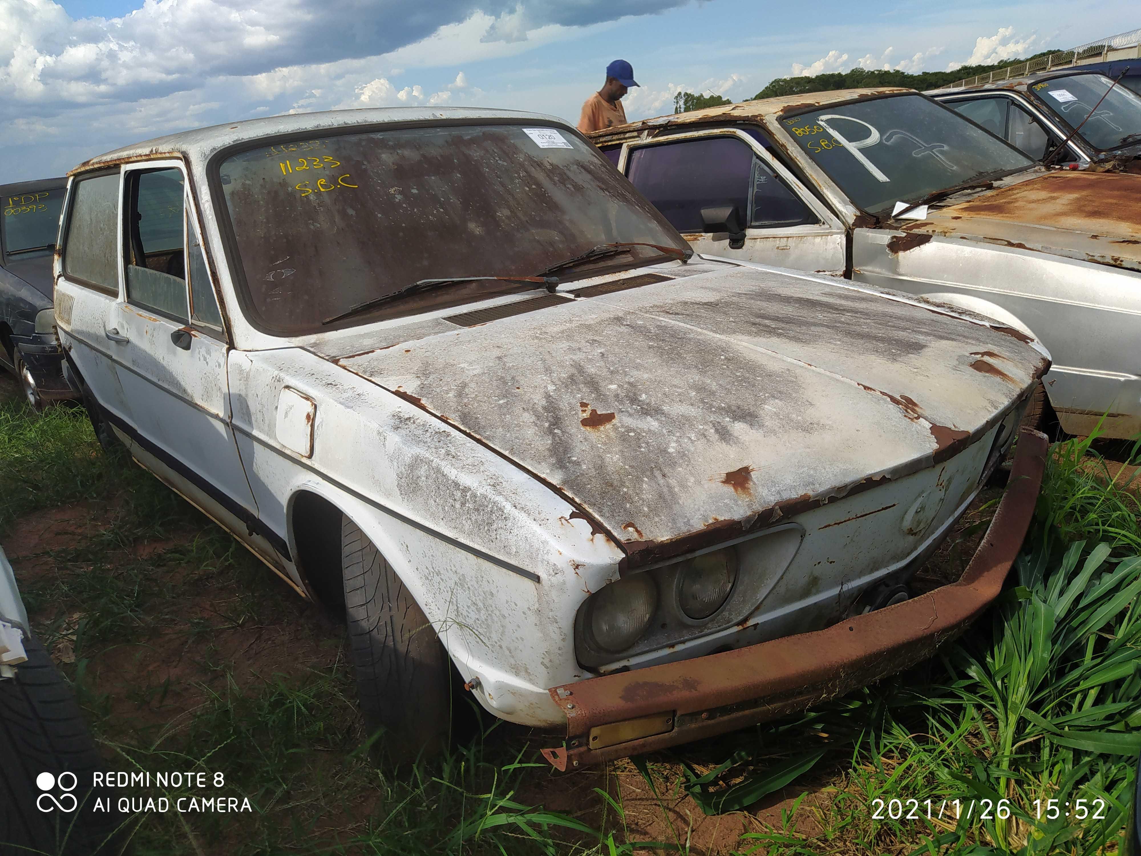 VW/BRASILIA - 1977/1977 - Sucata Aproveitavel